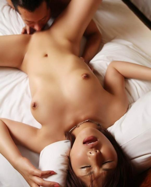 コレがクンニ上級者→→→→→キミは勃起クリトリスをペロペロ舐めて女の子をイカせることできる?wwwww【画像30枚】08_2016012020411861a.jpg