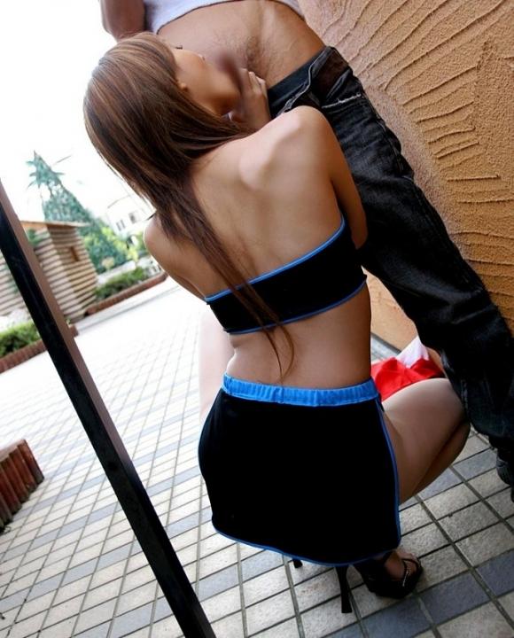 青姦野外セックスを楽しむ素人カップルに対する通報が急増中wwwwwww【画像30枚】08_2016012704490448f.jpg