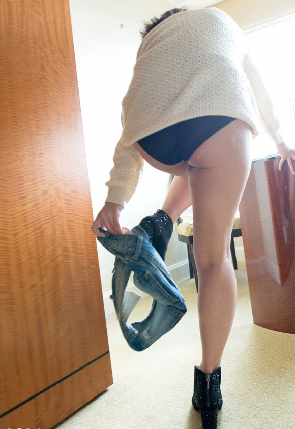 彼女が服をヌギヌギ脱いでるトコがくっっっっっそエロかったからとりあえず撮ってうpするわぁぁぁぁぁwwwwwww【画像30枚】08_201603102313480db.jpg