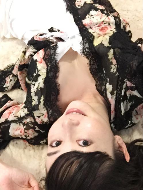 【悩殺テロ】杉原杏璃ちゃんのブログでの「おやすみ〜」がエロすぎて寝付けないレベルwwwwwww【画像30枚】08_20160601221919a46.jpg