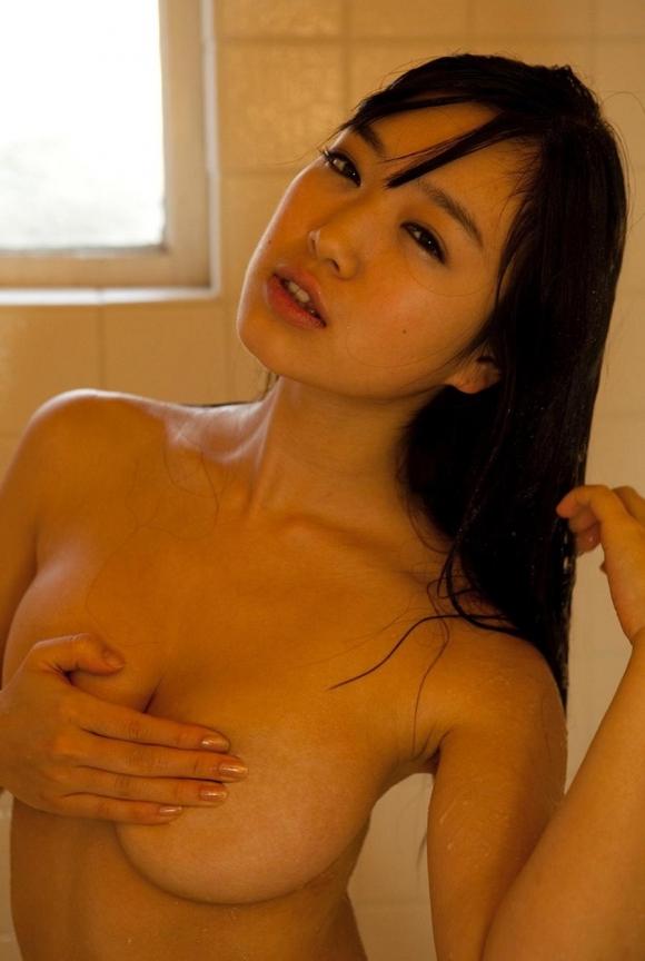 ガッツリ顔出しておっぱいやマンコの「自撮り」まで公開して→凍結された女の子www09_20151230014911d1b.jpg