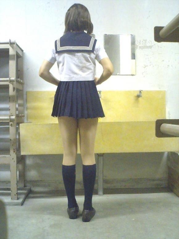 現代っ子なJKたちのスカートが異常なほどに短すぎる件wwwwwww【画像30枚】09_20160331213723a09.jpg