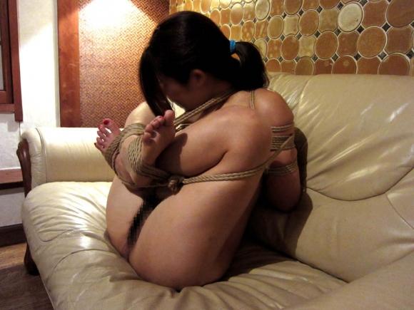【エロ画像】緊縛拘束されると女は簡単に男の玩具となる件wwwwwww10_20151201151024460.jpg