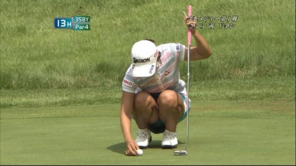 【エロ画像】女子ゴルフ中継がもうエロ目線でしか見れないwwwww10_20160112193055b9f.jpg