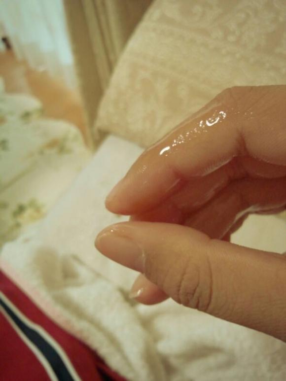 【指マン汁】女の子がオナニー直後に撮った糸引き自撮り写メが想像以上にくっそエロいwwwwwww【画像30枚】10_2016061923471144c.jpg