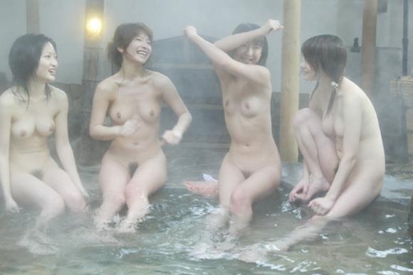 【流出画像】女の子のスマホに保存されてた女子会温泉旅行の写真がエロすぎて閲覧注意wwwwwww【画像30枚】10_20160730235340598.jpg