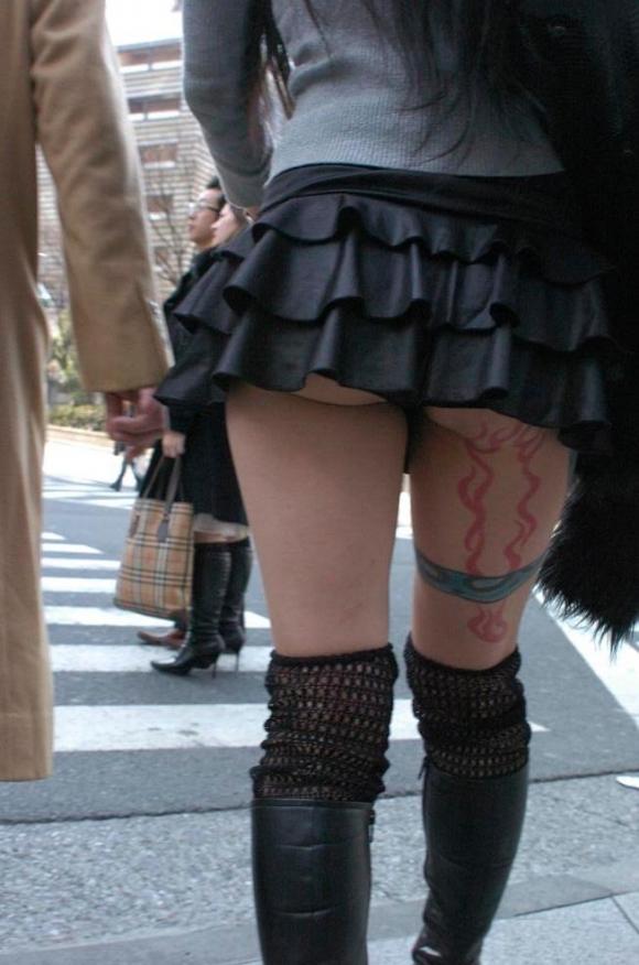 久しぶりに東京行ったら街を歩いてる女の子がくっそエロい服装で歩いててビビったwwwwwww【画像30枚】11_20160210205001c0d.jpg