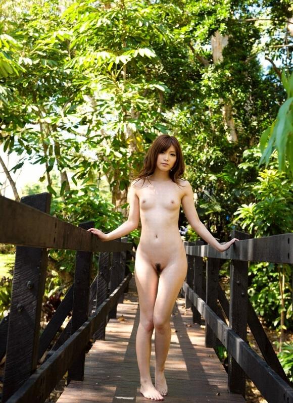 早く暖かくなるのを期待して見たい美女の野外露出ヌード【画像30枚】11_20160222220906dde.jpg
