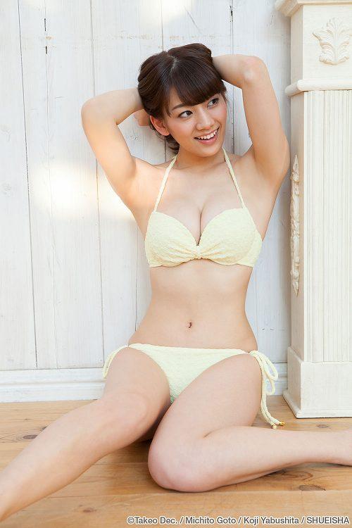 Jリーグ女子マネージャーの佐藤美希ちゃんのかわいい巨乳グラビア画像11_201603242248419ef.jpg