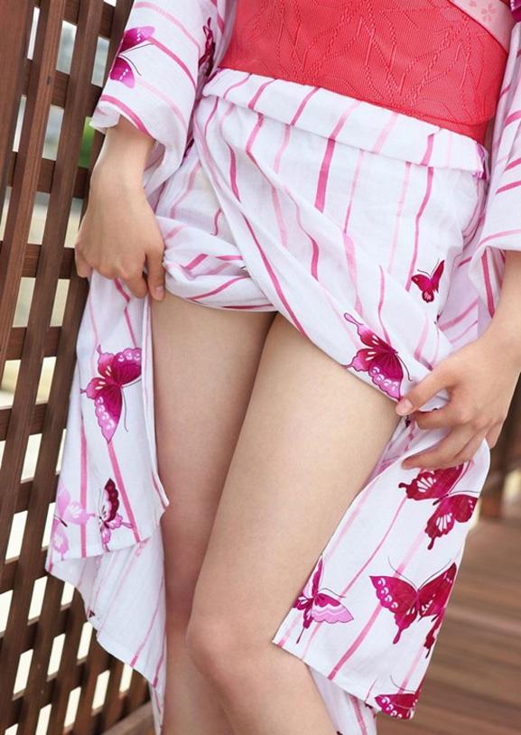 今年の夏に向けて浴衣美女のエロ画像を集めてみたwwwwwww【画像30枚】11_201604202128238b0.jpg