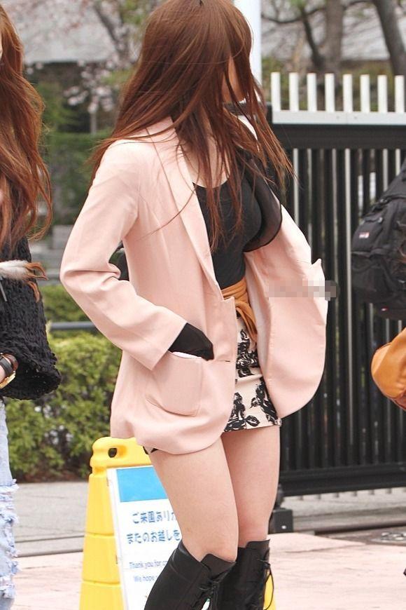 素人なのにパンチラしそうな短すぎるミニスカ履いてる女の子が多すぎるwwwwwww【画像30枚】11_201607302204323ee.jpg