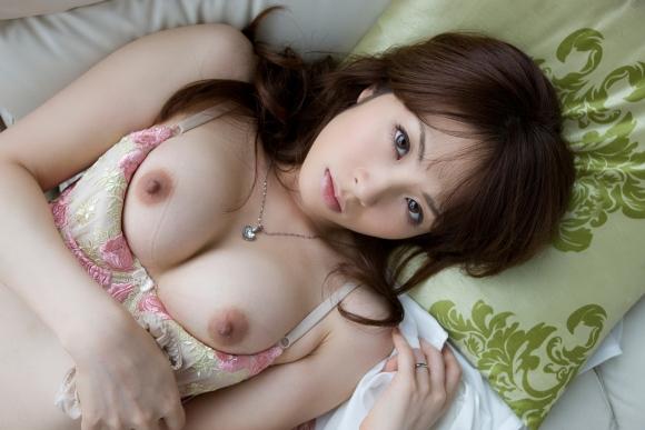 服着たまま乳首丸出ししちゃってる女の子・・・・・エロすぎますwwwwwww【画像30枚】12_20160214205716f5b.jpg