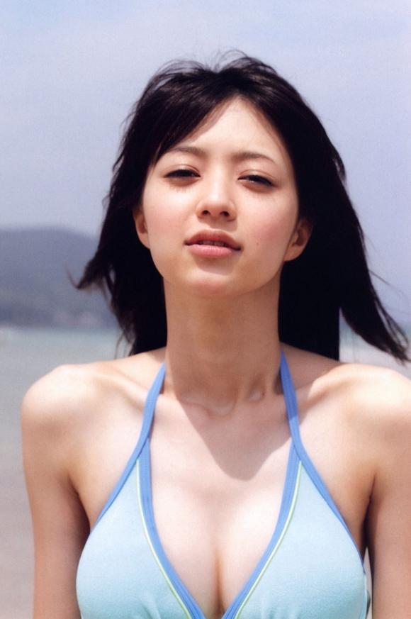女優としても活躍中の逢沢りなちゃんのセクシーグラビア画像【30枚】12_20160602113442db8.jpg