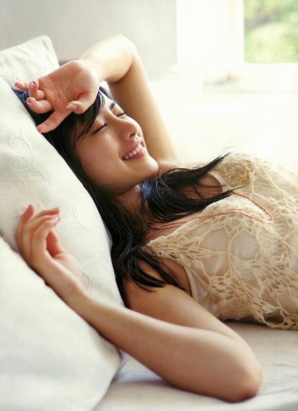 女性が選ぶ「なりたい顔」石原さとみちゃんのムラムラくるエロセクシー画像【30枚】13_201511300102264d0.jpg