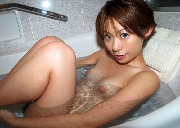 【エロ画像】彼女とラブホ行ったら広い浴室でテンション上がってたから写真撮っちゃったwwwwwww13_20151211120058324.jpg