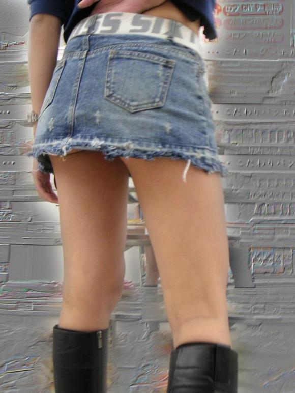 街でミニスカブーツの女の子を見ると無意識にガン見してしまう男の習性wwwwwww【画像30枚】13_20160114015056f34.jpg