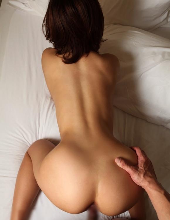 腰のくびれラインがキュっとしてる女の子がセクシーすぎるwwwww【画像30枚】13_20160118235020432.jpg