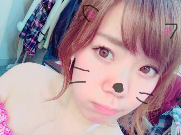 グラドルがにゃんにゃんにゃんの猫の日に猫コスプレ自撮りをうp!!!!!13_2016022222025920e.jpg