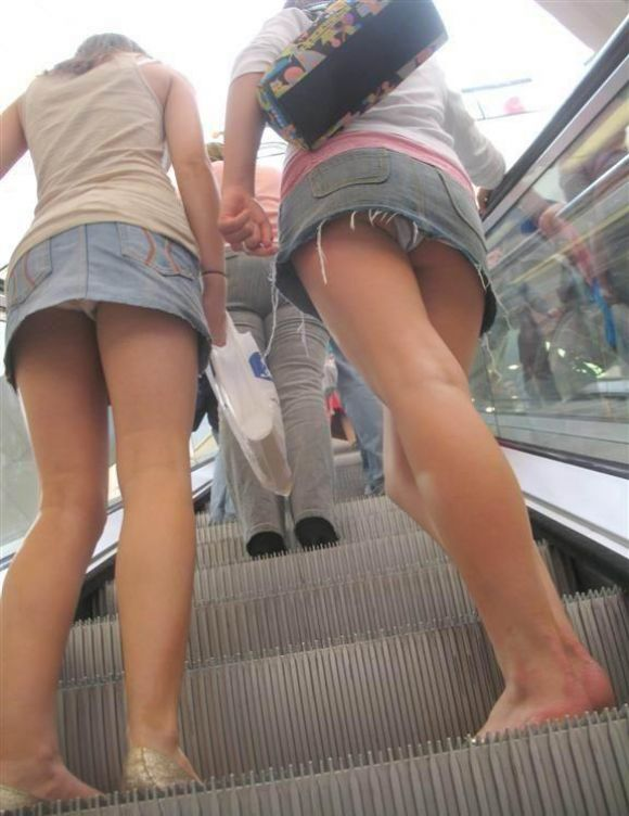 【驚愕】デニムスカート女子のパンチラ率が判明wwwwwwwwwwwwwwwww【画像30枚】13_20160604095715483.jpg
