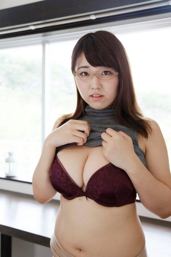 100cm「松本菜奈実」ちゃんのハミ出るIカップおっぱい!13_20160731230740615.jpg