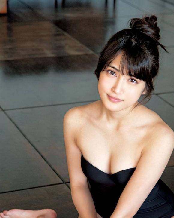 フジテレビ系ドラマ「サイレーン」で好演しているAKB48入山杏奈ちゃんの下着姿アリのグラビア画像20枚【高画質】14_20151209015432e43.jpg