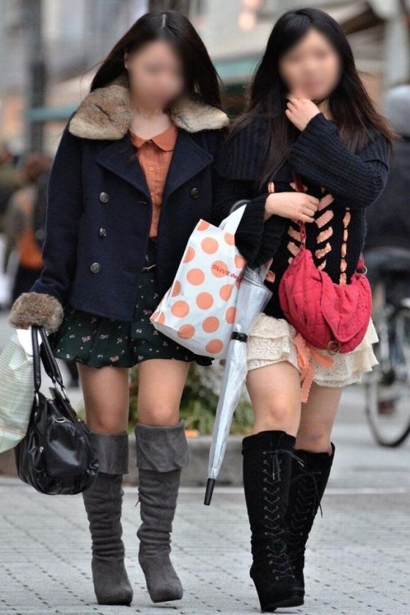 冬限定のミニスカブーツスタイルがエロくてたまらんwwwww【画像30枚】14_2015122613003736f.jpg