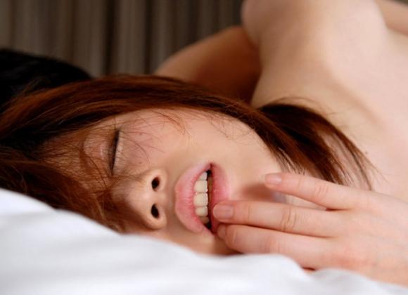 イキ顔/アヘ顔/喘ぎ顔→→→女がセックスの時に見せる三大エロい表情が最高だわぁぁぁぁぁwwwwwww【画像30枚】14_20151229224322c60.jpg