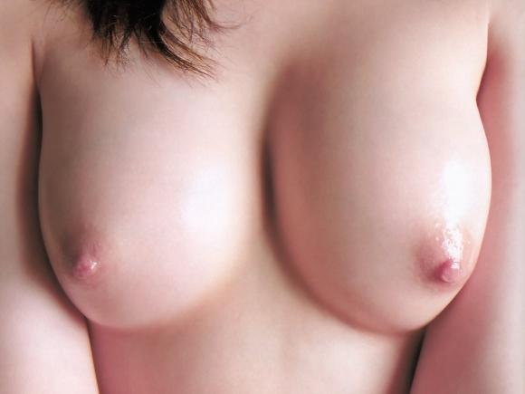 彼女のおっぱいを初めて見た時にこんなキレイなピンク色の乳首だったら勝ち組すぎるwwwwwwwwwww【画像30枚】14_201601252102017b1.jpg