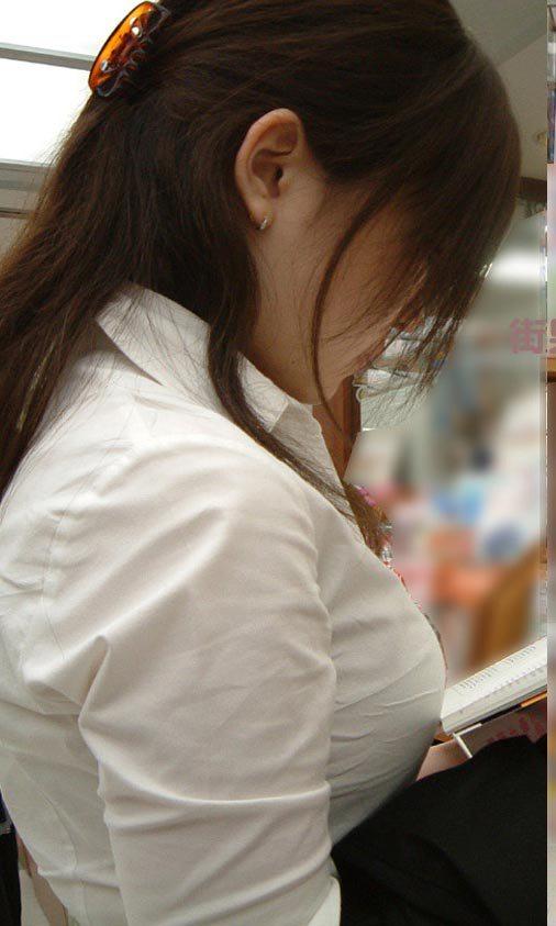 ワイシャツ着てる女の子のおっぱいの部分がパツパツになってる画像をくださいwww【画像30枚】14_20160219000859460.jpg