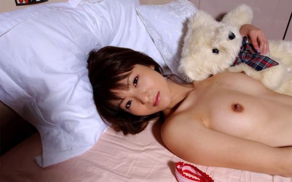 【エロ画像】こんな可愛い女の子がベッドで寝てたら・・・朝から絶対襲っちゃうよーwwwww15_20151121151816ee2.jpg
