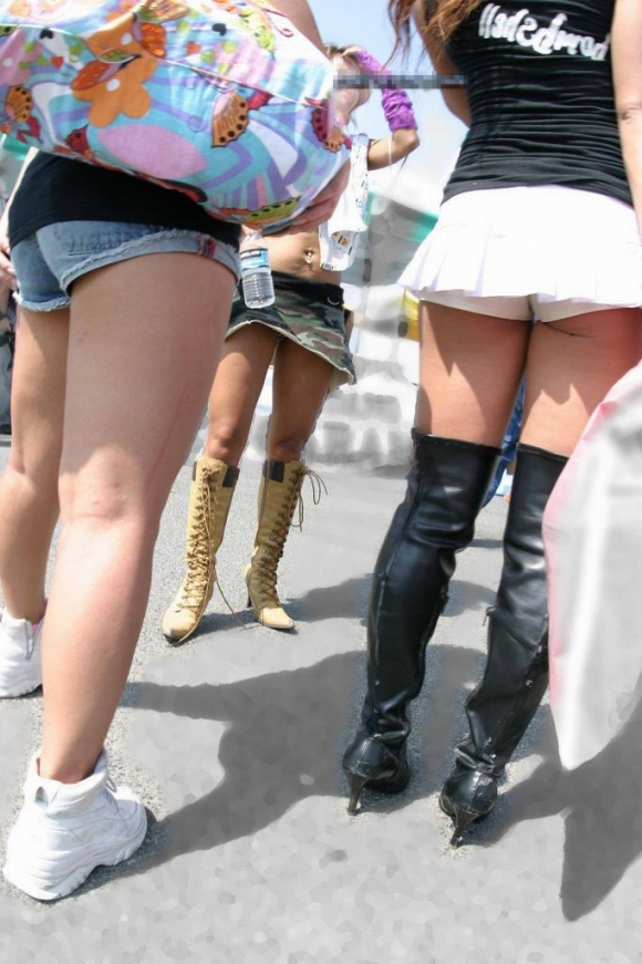 久しぶりに東京行ったら街を歩いてる女の子がくっそエロい服装で歩いててビビったwwwwwww【画像30枚】15_201602102050062d7.jpg
