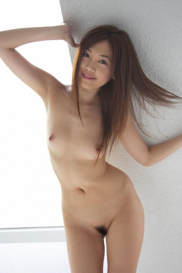 ちょ・・・・・マジで心配になるwww直立全裸で陰毛丸出しの女の子ってなんなのぉぉぉぉぉwwwwwww【画像30枚】15_2016021620293005a.jpg