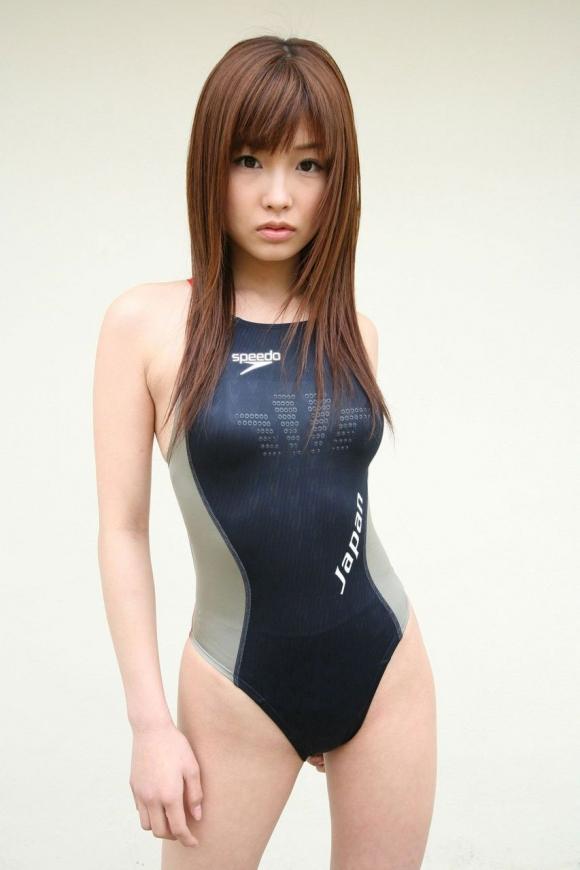 体のムチムチラインがピッタリ分かる競泳水着がエロすぎるwwwwwww15_201606301341354c0.jpg