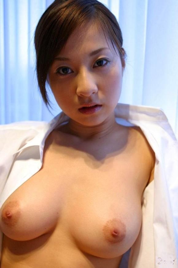 裸Yシャツの女の子がエロすぎて襲っちゃいそうになるwwwwwww【画像30枚】16_20160116044608a81.jpg