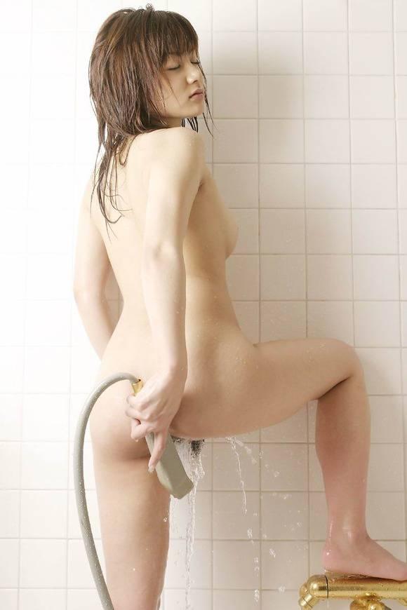 おまんこにシャワーを当ててイクぅぅぅぅぅwww水圧オナニーが気持ち良さそうwwwww【画像30枚】17_201512241535341e0.jpg