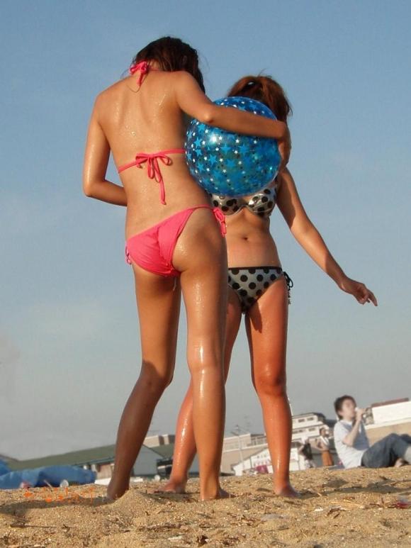 【素人水着画像】こんなんがタダで見放題な夏ってやっぱスゲーわwwwwwww【画像30枚】17_20160320041343c16.jpg