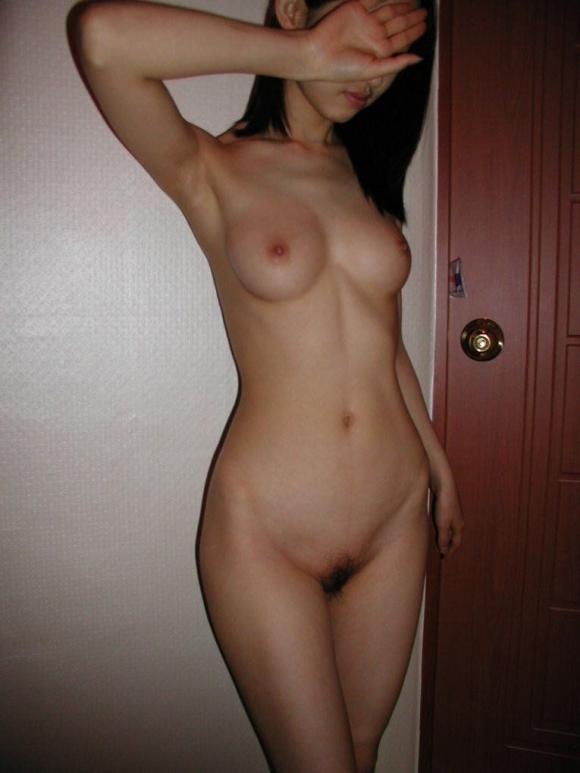 細身好きにはたまらんwww芸術性を感じる華奢な女の子の全裸ヌードwwwwwww【画像30枚】17_20160322225542ec9.jpg