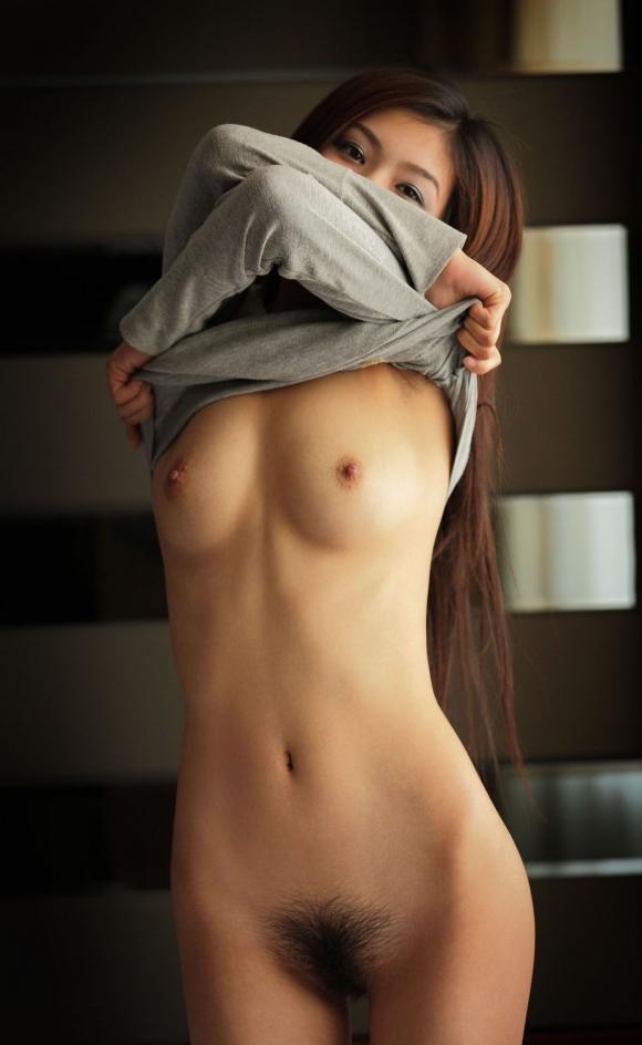 女の子の生着替え中の丸出しおっぱいがエロすぎるwwwwwww【画像30枚】17_201604132233195ac.jpg
