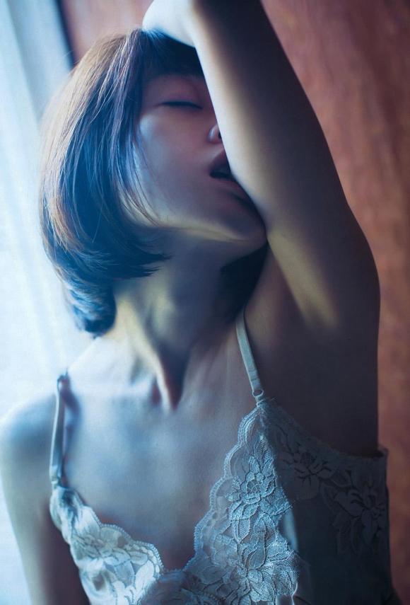 安達祐実の乳首丸出しフルヌードのエロス!【画像30枚】17_201606280247011af.jpg
