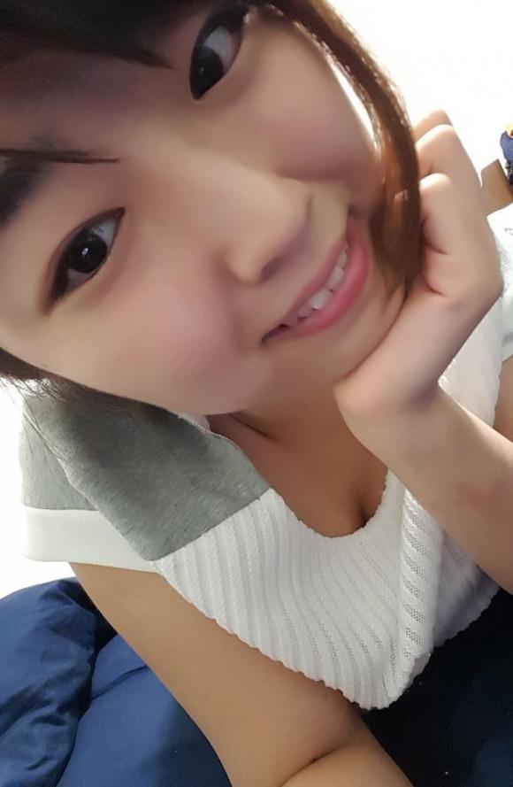 100cm「松本菜奈実」ちゃんのハミ出るIカップおっぱい!17_20160731231657f29.jpg