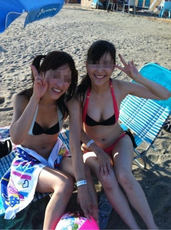 今年も夏が待ち遠しい素人水着ギャルのムラムラっとくる画像をくださいwww【画像30枚】18_20160303203546cd7.jpg
