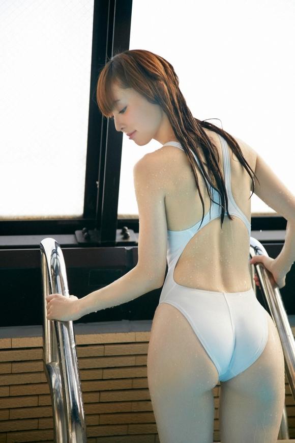 体のムチムチラインがピッタリ分かる競泳水着がエロすぎるwwwwwww18_201606301341470b1.jpg