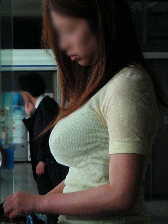 街で見かけたら視姦してしまうwww巨乳感満載の着衣おっぱいwwwwwww【画像30枚】19_20151224151931ede.jpg