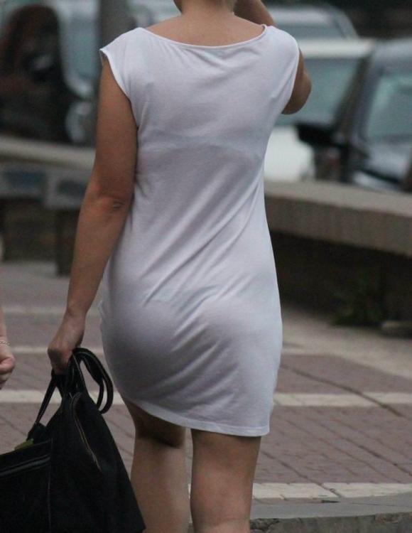 久しぶりに東京行ったら街を歩いてる女の子がくっそエロい服装で歩いててビビったwwwwwww【画像30枚】19_201602102050428a7.jpg