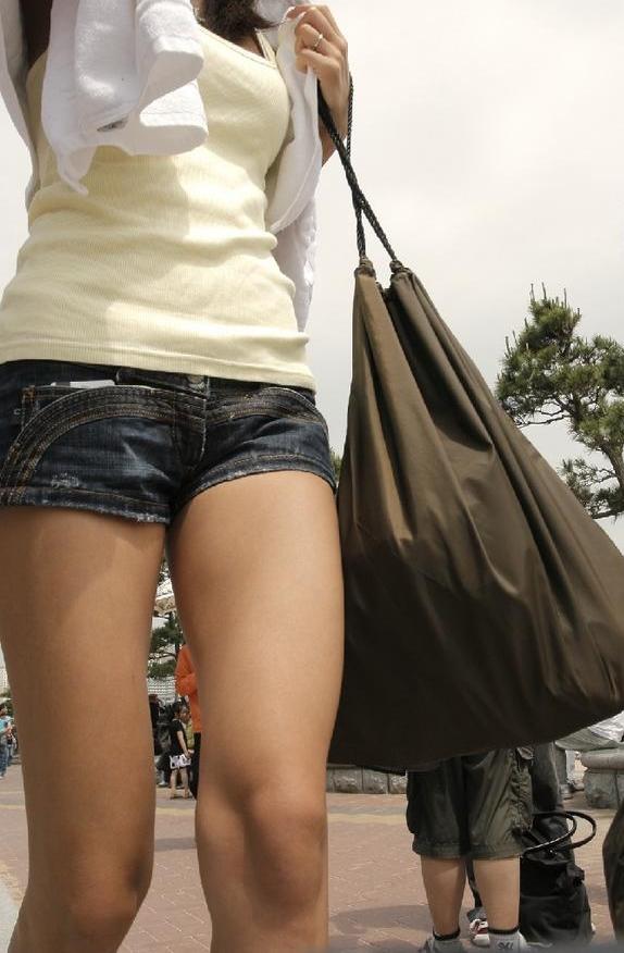 ショーパンから露出してる大腿部がエロすぎwww女の子のムニムニ太ももがたまらんwwwwwww【画像30枚】19_201602170937128bf.png