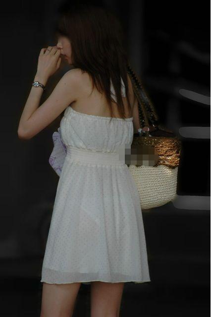 洋服の中では一番のエロさを誇るミニワンピを着てる女の子を街撮り盗撮ぅぅぅぅぅwwwww【画像30枚】20_20151220031728b3e.jpg