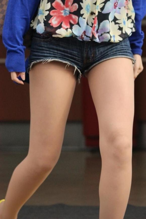 ショーパンから露出してる大腿部がエロすぎwww女の子のムニムニ太ももがたまらんwwwwwww【画像30枚】20_20160217093714577.jpg