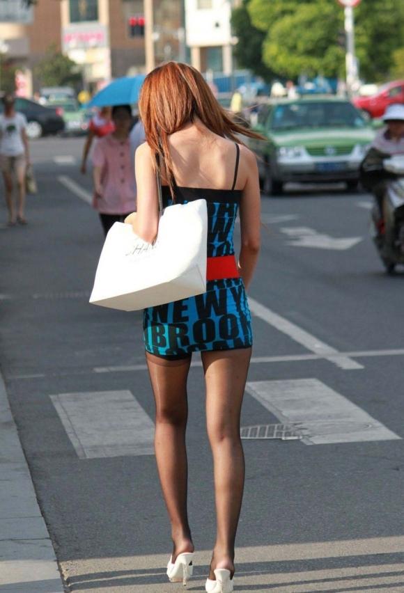 気温上昇とともに増えてくる街中でのギャルのエロい服装が過激すぎるwwwwwww【画像30枚】20_20160305214624529.jpg