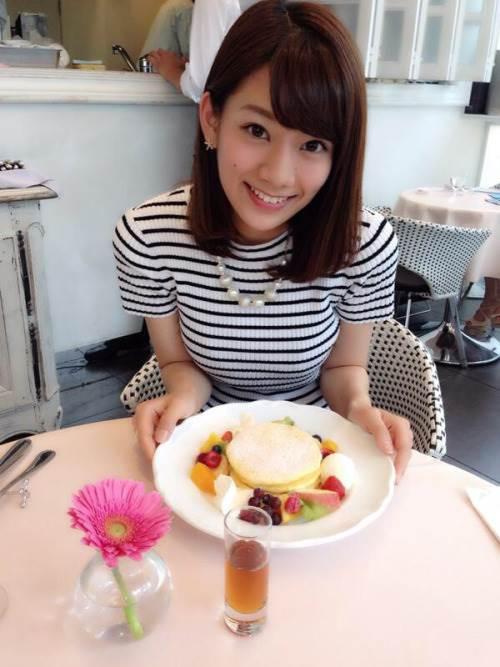 Jリーグ女子マネージャーの佐藤美希ちゃんのかわいい巨乳グラビア画像20_201603242249399ce.jpg