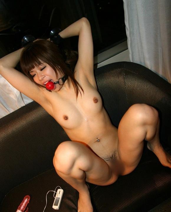 【性玩具】女の子を拘束して調教するとこういうエロいオモチャになるwwwwwww【画像30枚】20_201605092146456d6.jpg